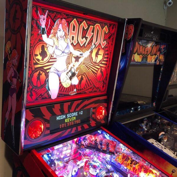 AC-DC Luci Vault Pinball Machine