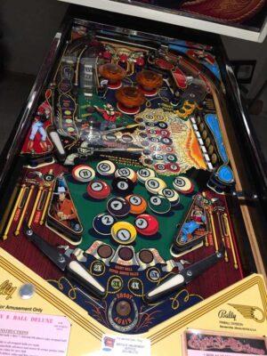 Eight Ball Deluxe Pinball 11 300x400 - Eight Ball Deluxe Pinball Machine